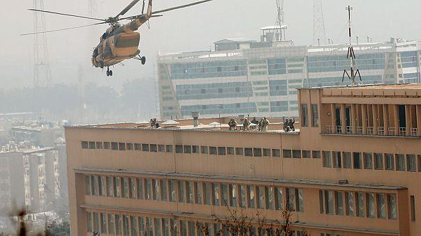 Attacco all' ospedale militare di Kabul, in Afghanistan. Decine di morti e feriti