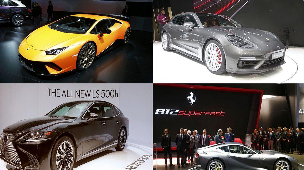Carros de luxo no Salão Automóvel de Genebra