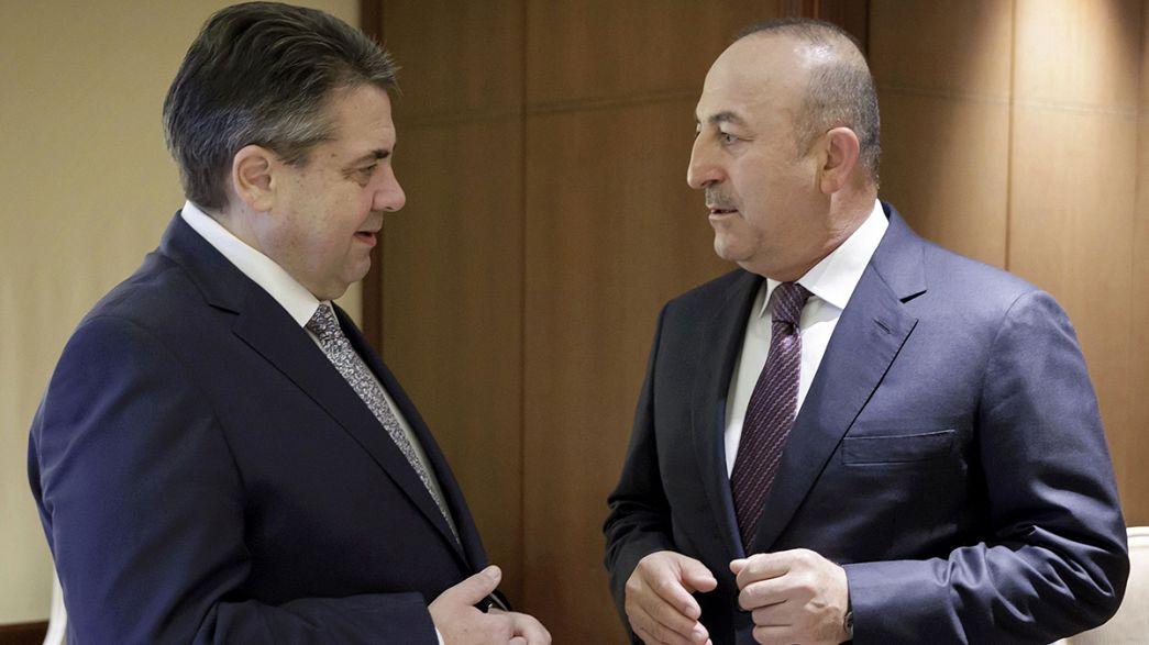 Diplomacia alemã e turca tomaram um pequeno-almoço de desagravo, mas as tensões persistem