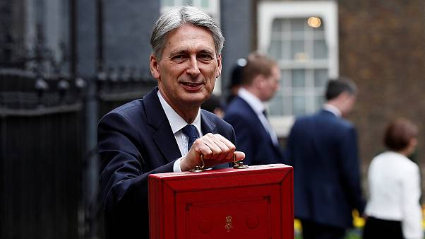 Britain sets Brexit budget course