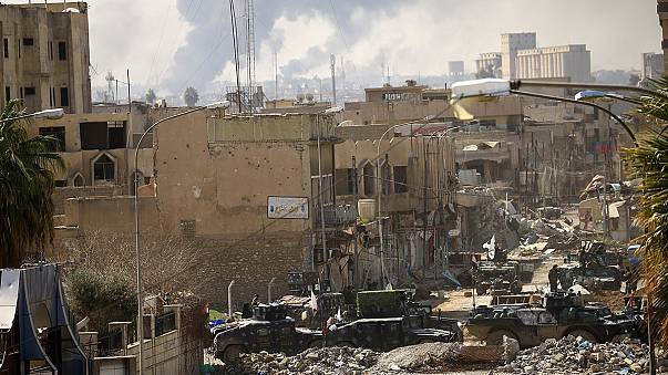 Forças iraquianas avançam à medida que os combates se tornam mais duros