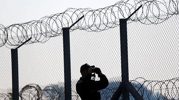 Eurodeputados chocados com lei húngara para deter requerentes de asilo