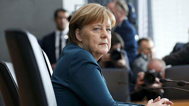 """Merkel dice que se enteró del 'dieselgate' por """"los medios"""""""