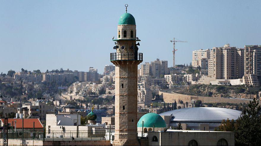 Israele: parlamento a favore di una legge per limitare le chiamate alla preghiera islamica