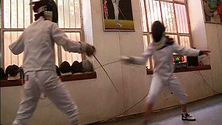 دختران شمشیرباز افغان خود را برای مسابقات آماده می کنند
