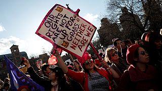 Amerika'da 8 Mart gösterileri Trump protestosuna dönüştü