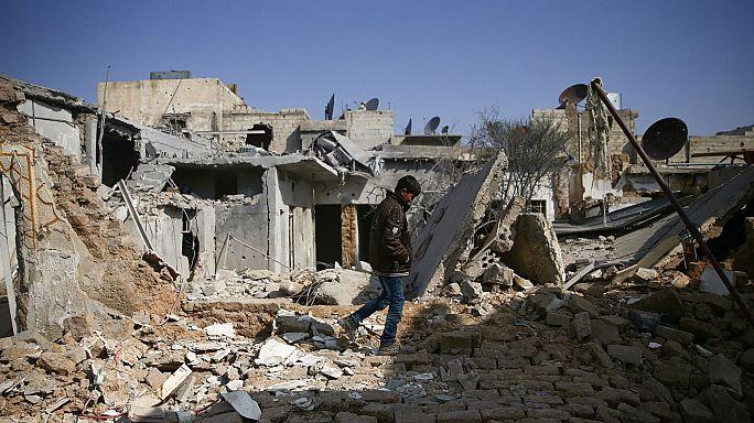 Syrische Luftwaffe greift Rebellenstädte an