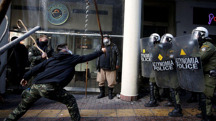 المزارعون يشتبكون مع الشرطة في أثينا