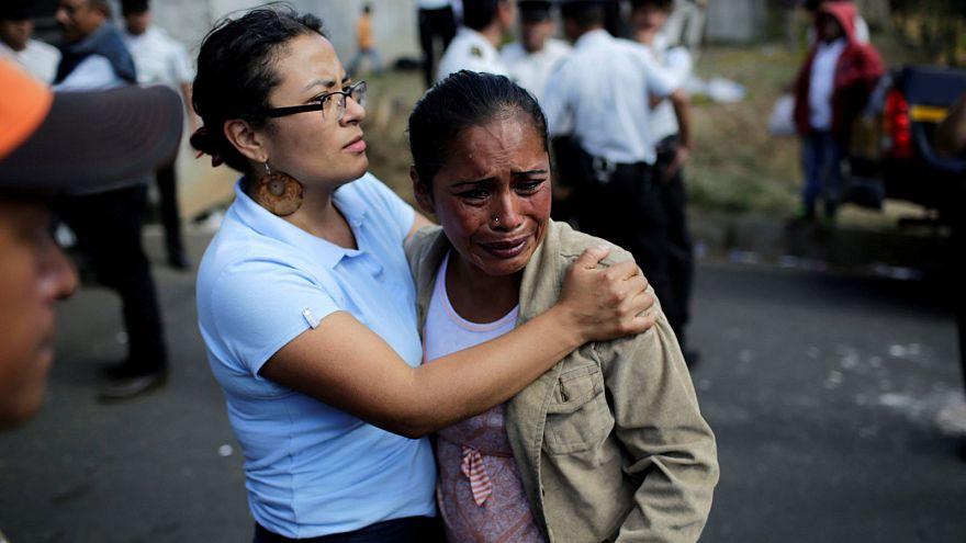 Aumenta a 22 niñas el balance de víctimas del incendio de Guatemala