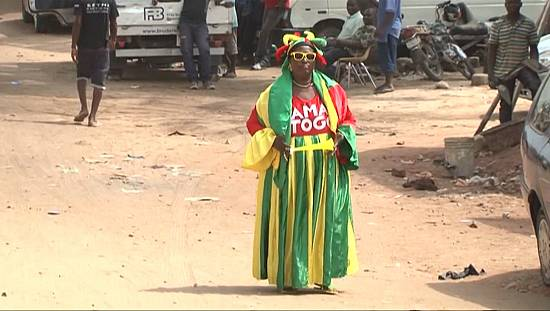 Mama Togo, supportrice numéro 1 des Eperviers [no comment]