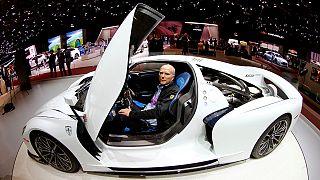Los coches de lujo se convierten a la estrategia ecológica en Ginebra