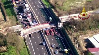 إيطاليا: مقتل شخصين في انهيار جسر على طريق سريع
