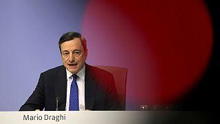 """Bce: misure di stimolo non sono più urgenti, Draghi """"l'euro è irreversibile"""""""