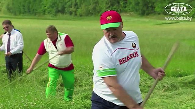 """Le président du Bélarus suspend le décret pour """"les parasites sociaux"""""""