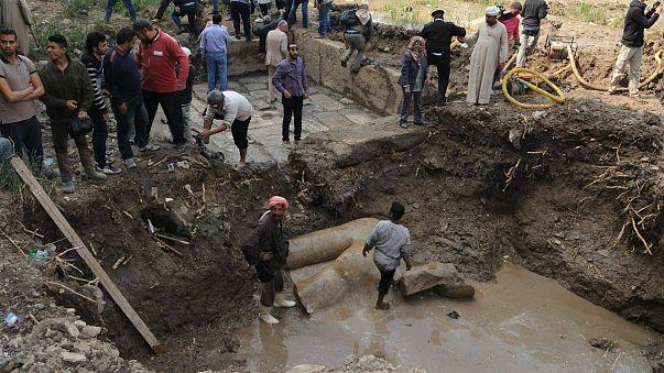 انتقاد في مصر لطريقة انتشال ما يعتقد أنه تمثال لرمسيس الثاني