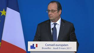 Hollande won't tell Euronews who he will vote for in French election