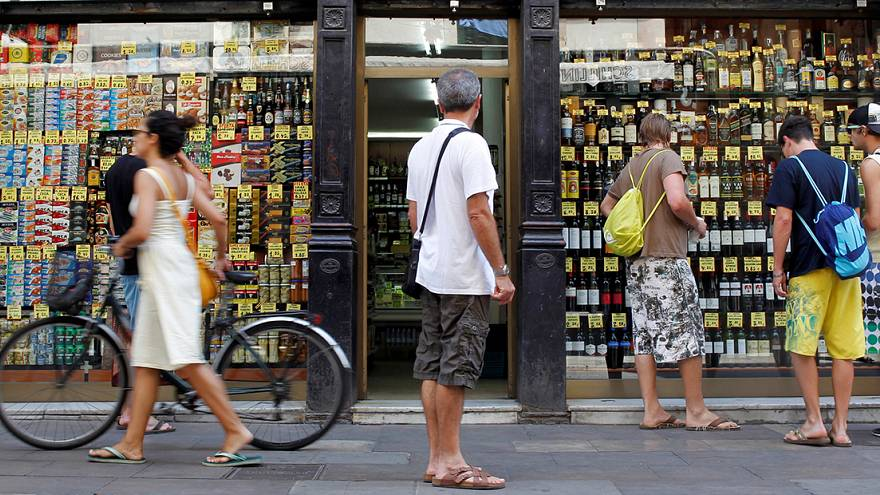 Spanish retail sales slip as inflation rises