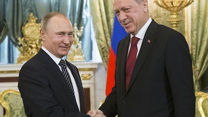 """""""Együtt harcol"""" a terrorizmus ellen Putyin és Erdogan"""