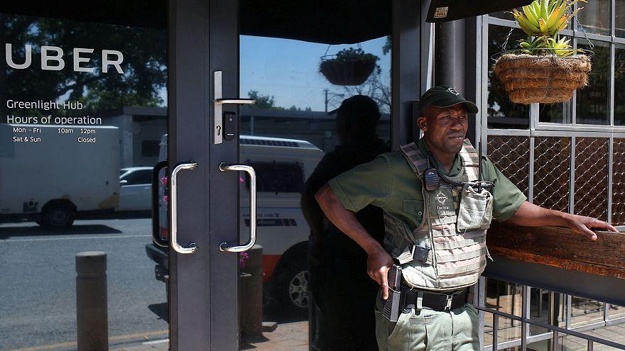 جنوب أفريقيا: سائقو الأجرة يحتجون ضد خدمة أوبر