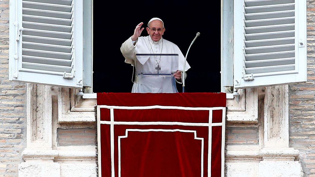 """Il celibato resta, ma il Papa apre sui """"viri probati"""": plauso dalla Germania"""