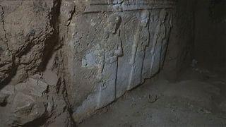 Musul: IŞİD camiden tünel kazarak Asur sarayını bulmuş