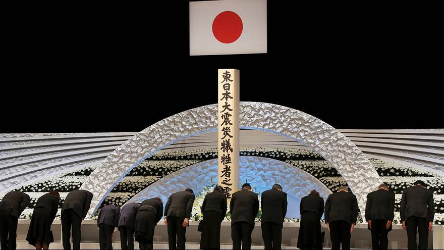 Япония почтила память жертв землетрясения и цунами 2011 года