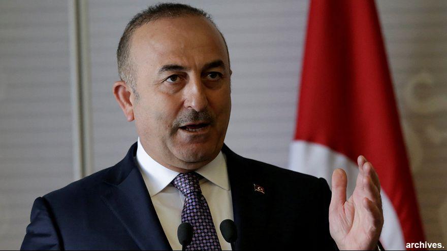 Holanda deniega el permiso de aterrizaje al avión del ministro de Exteriores turco