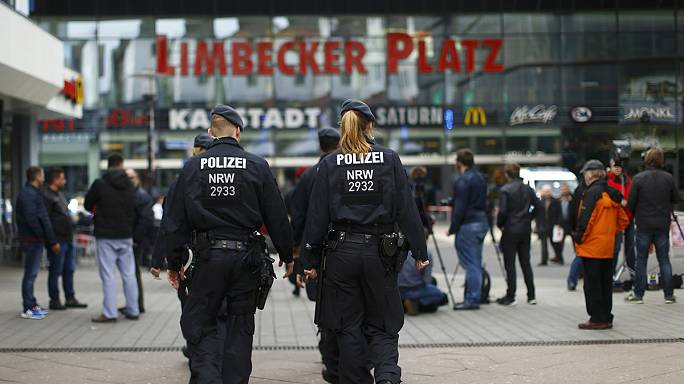 Shopping centre closed in Germany after terrorist alert