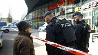 Mall closed over terror threat in Germany