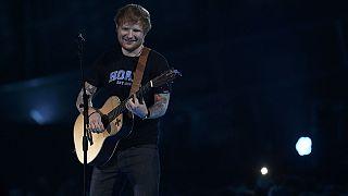 El cantante Ed Sheeran avasalla en las listas de éxitos con Divide