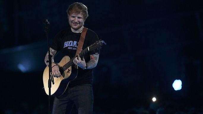 Royaume-Uni : le chanteur Ed Sheeran bat des records de ventes