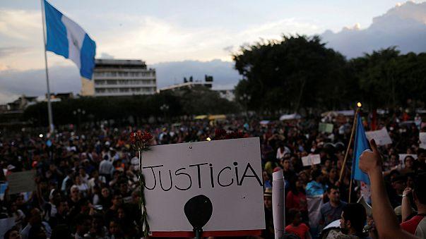 Гватемальцы обвиняют власти в гибели детей в приюте