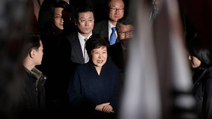 Экс-глава Южной Кореи покинула президентский дворец
