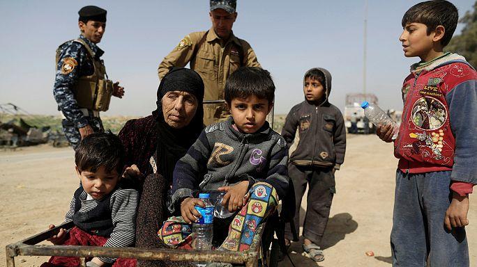 إستمرار نزوح السكان فرارا من المعارك غرب الموصل
