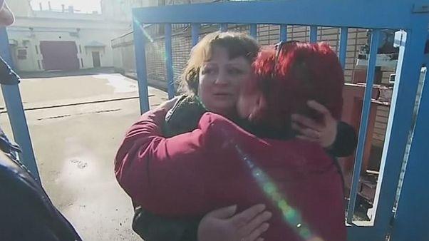 "Rússia: libertada comerciante condenada por ""sms"" acerca de movimentos de tanques"