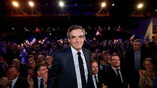 Γαλλία: Νέος «πονοκέφαλος» για τον Φιγιόν τα ακριβά κοστούμια