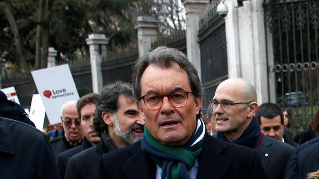 Former Catalan regional head banned from office over referendum