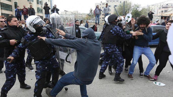 يوم أسود في تاريخ الصحافة الفلسطينية بعد اعتداء الأمن الفلسطيني على صحافيين