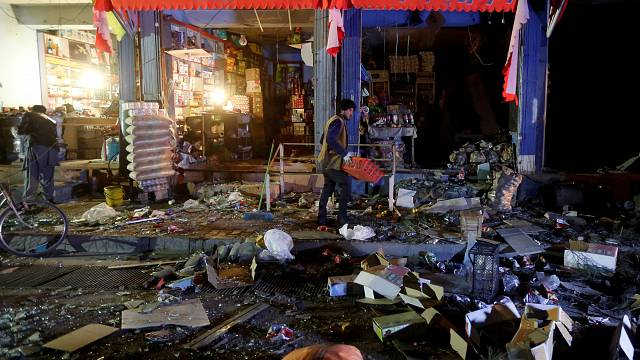 Munkásokat szállító autóbuszt robbantottak fel Kabulban.
