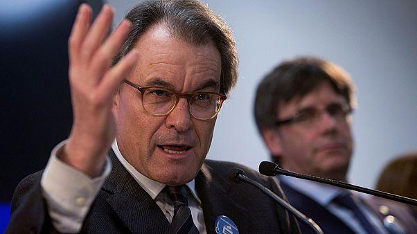 Két évre eltiltották az egykori katalán elnököt a közhivataloktól