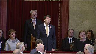 János Áder réélu président pour cinq ans en Hongrie