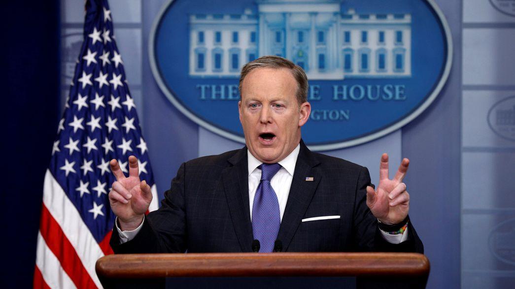 """Белый Дом смягчил обвинения в адрес Обамы по поводу """"прослушки"""" Трампа"""