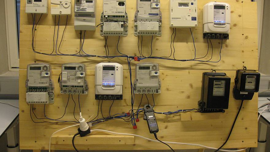 Some smart electricity meters 'give readings nearly 600 percent too high'