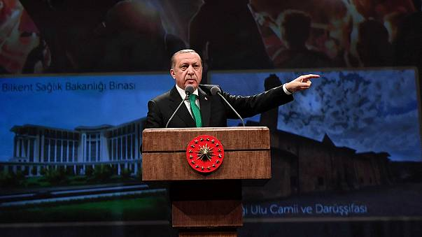 Novo apelo à suspensão das negociações para a entrada da Turquia na União Europeia