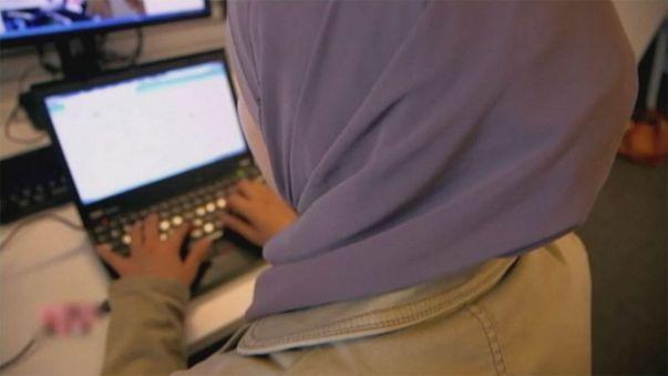 Justiça europeia permite que empresas proíbam o uso de véu