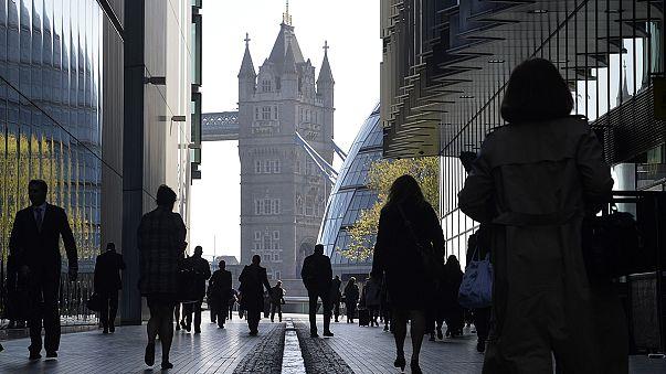 Alacsony munkanélküliség, magas infláció az Egyesült Királyságban