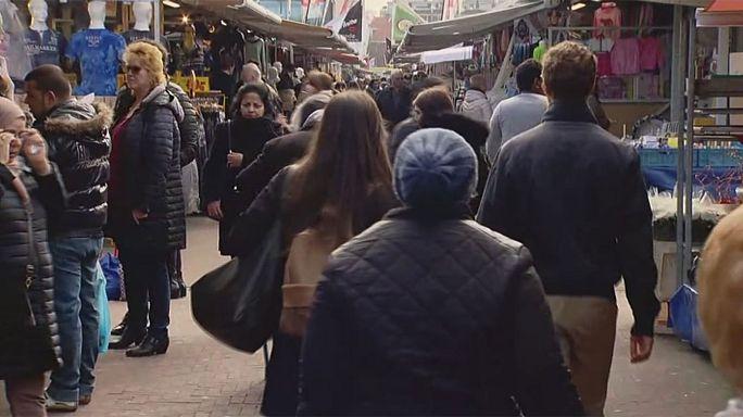 انتخابات هولندا:يورونيو في استطلاع بحي  في لاهاي
