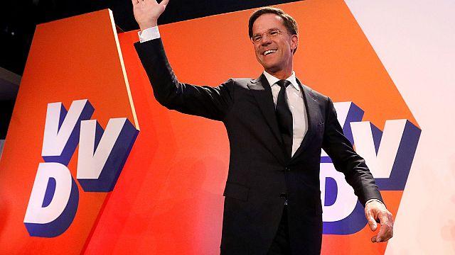 Выборы в Нидерландах: правоцентристы Рютте побеждают, но теряют мандаты