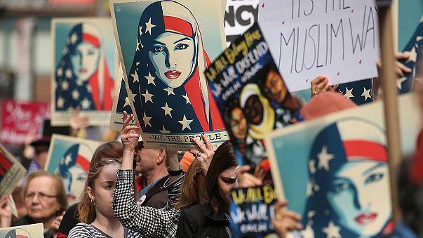 Δικαστικό μπλόκο και στο νέο αντιμεταναστευτικό διάταγμα του Ντόναλντ Τραμπ
