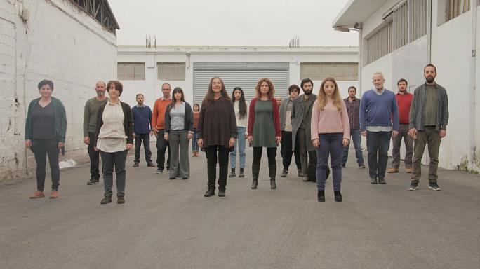 Θέατρο Πόρτα: Κατάθεση ψυχής από μια «Χορωδία Ανέργων»